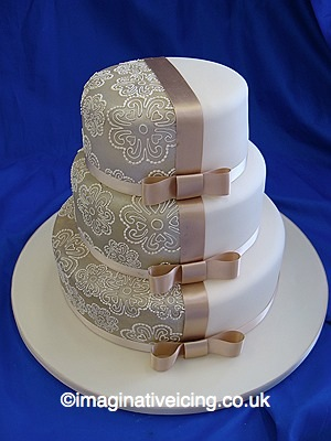 Contrast Stacked Wedding Cake